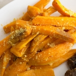 Sweet potatoes chips with nutritional yeast