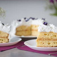 Royal Recipes: Elderflower and Lemon Cake