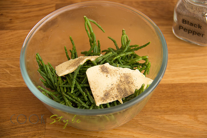 Samphire vegetarian recipe with potatoes and mushrooms