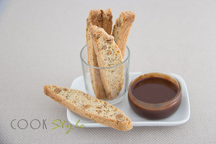 04 Biscotti with almonds and hazelnut flavour GGBO