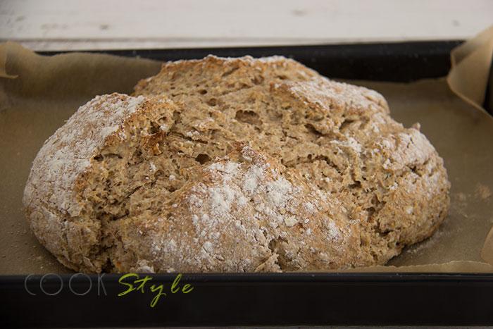 06 Wholemeal oaty soda bread