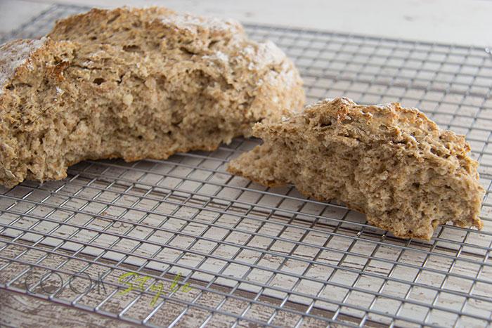 07 Wholemeal oaty soda bread