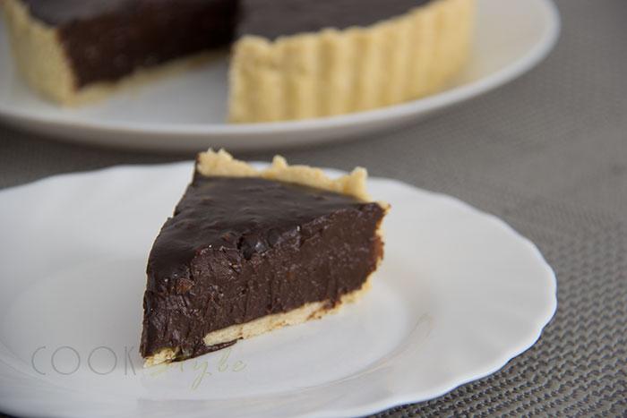 01 Hazelnut chocolate tart