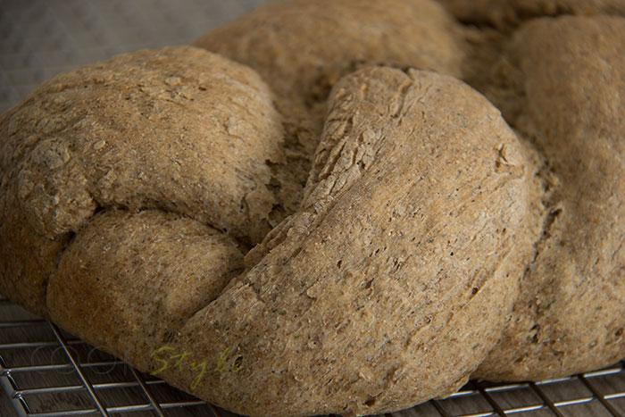 01 Rye plait bread