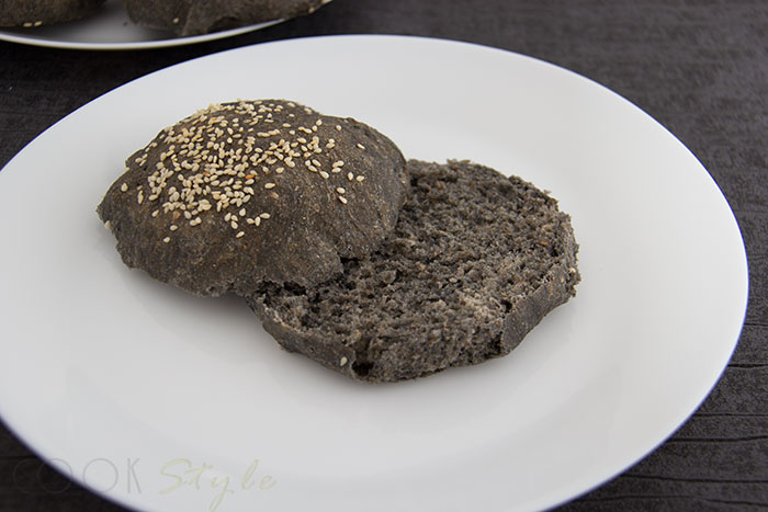 05 Black bread for Halloween