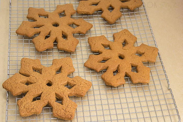 03 Snowflake cookies with cinnamon