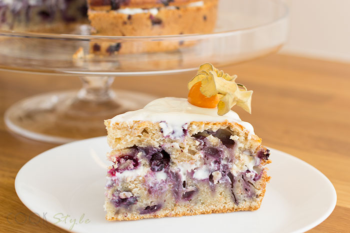 01 Blueberries cake