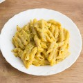 01-vegan-cheesy-pasta-with-cauliflower