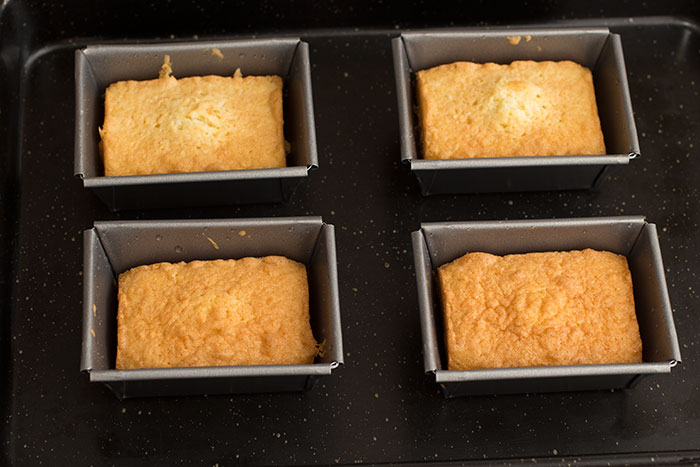 02-Coconut-and-lemon-drizzle-cake
