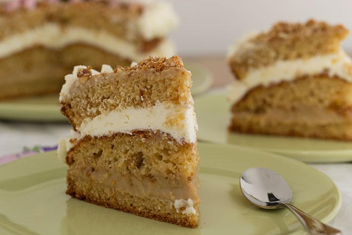 Nutty caramel cake