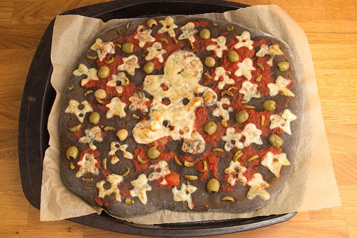 Halloween Black Pizza