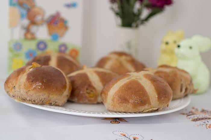 Easter menu - Hot cross buns