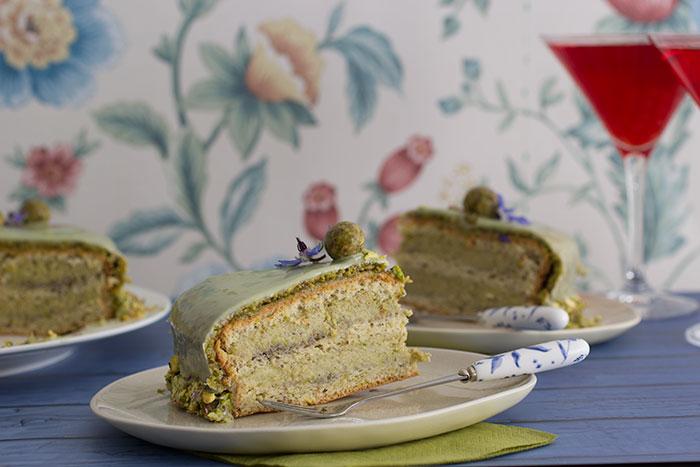 Le Gâteau Vert-Vert. Slice of cake
