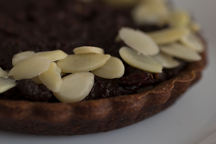 Almond Dark Chocolate Berries Pie, close up