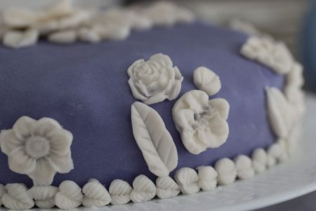 Wedgwood Cake. Decorations on the edge