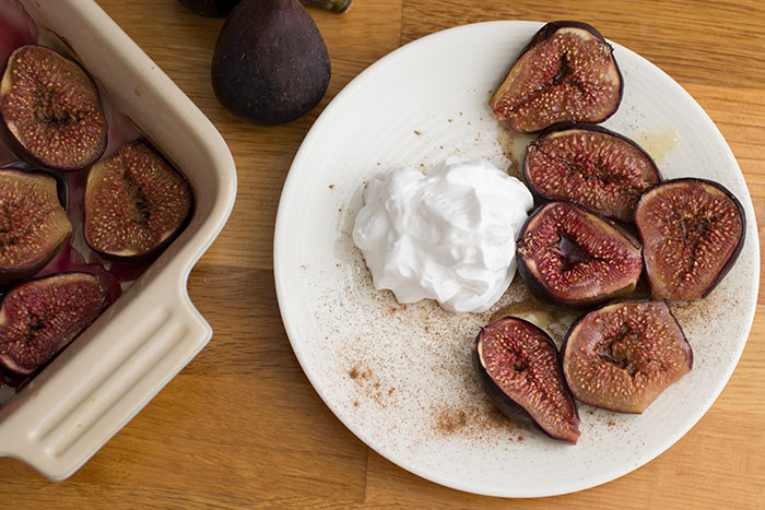 Roasted figs with whipped cream