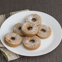 Baked wholemeal hazelnut doughnuts