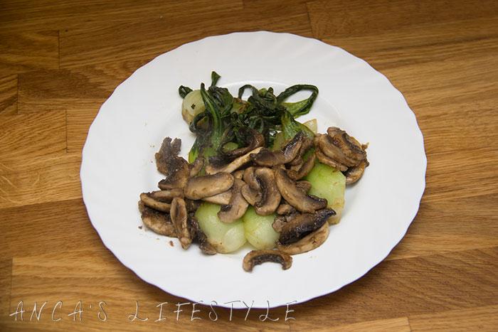 04 pak choi with mushrooms