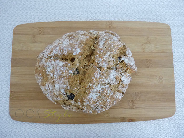 03 Soda Bread with olives and smoked paprika