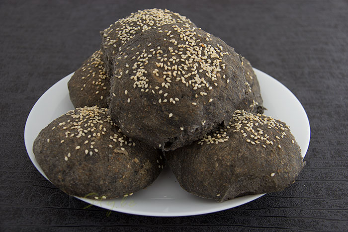 04 Black bread for Halloween