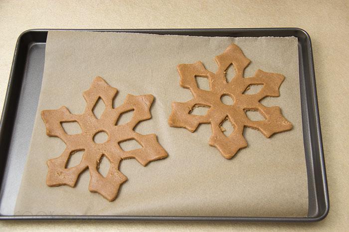 02 Snowflake cookies with cinnamon