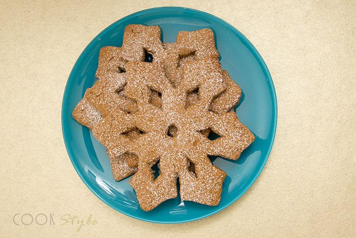 05 Snowflake cookies with cinnamon