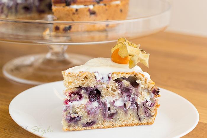 01 Blueberries cake
