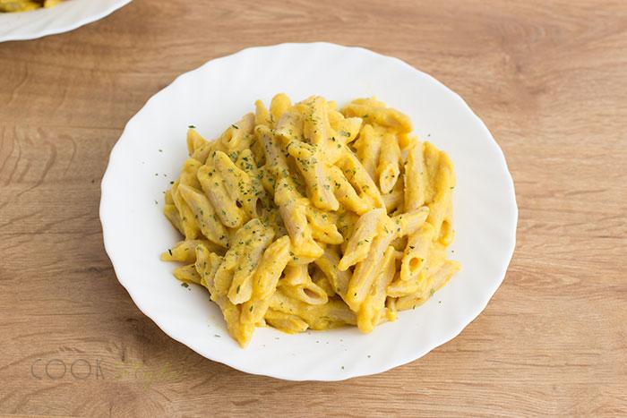 01-vegan-cheesy-pasta-with-cauliflower