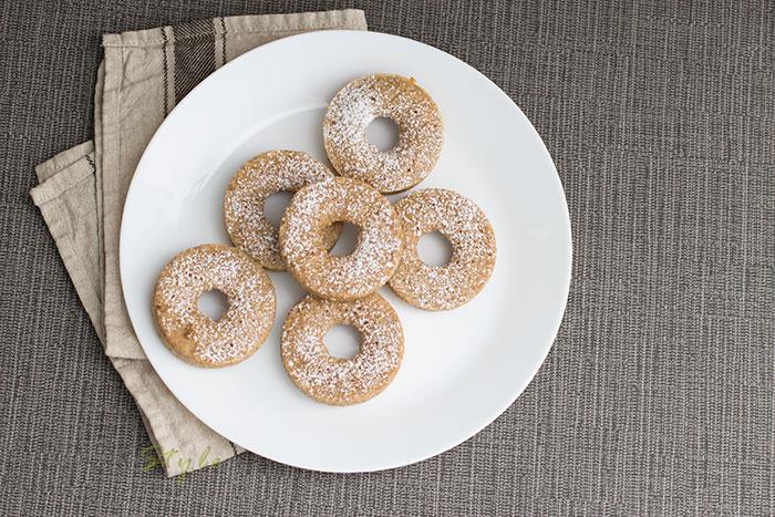 02-Baked-whomeal-hazelnut-doughnuts