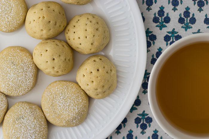 Maamoul with tea